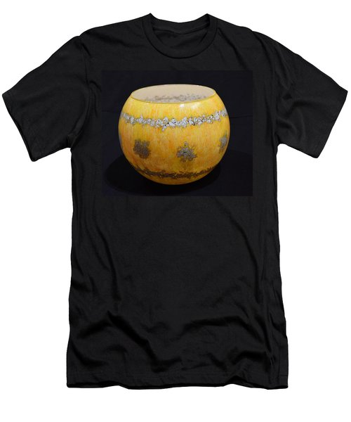 Yellow And White Vase Men's T-Shirt (Slim Fit)