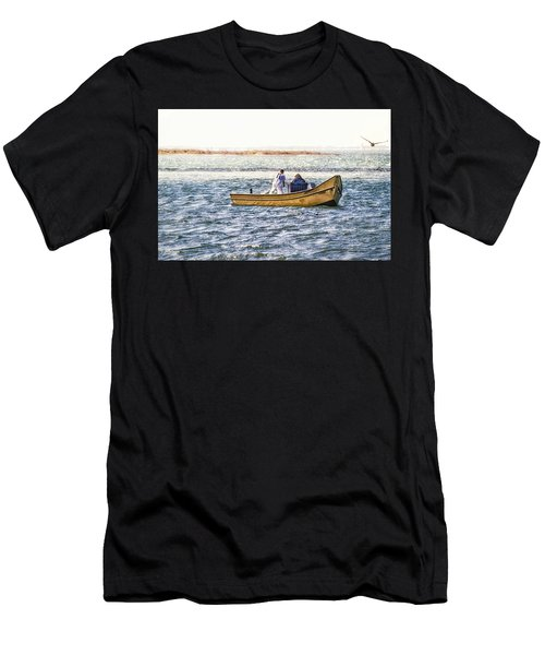 Yellow Boat - Men's T-Shirt (Athletic Fit)