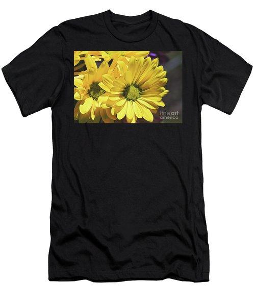 Yellow Gerbera Men's T-Shirt (Athletic Fit)