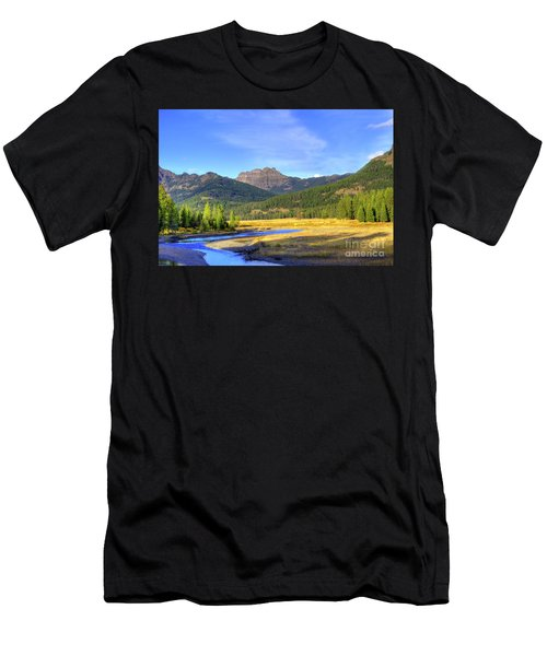 Yellowstone National Park Landscape Men's T-Shirt (Athletic Fit)