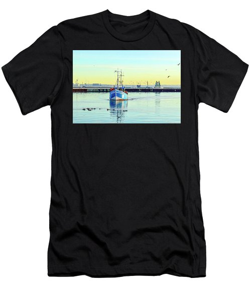 Yield For Ducks Men's T-Shirt (Athletic Fit)