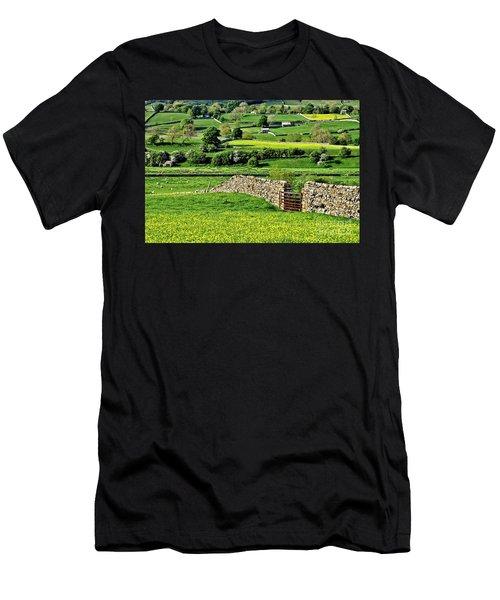 Yorkshire Dales Landscape Men's T-Shirt (Athletic Fit)