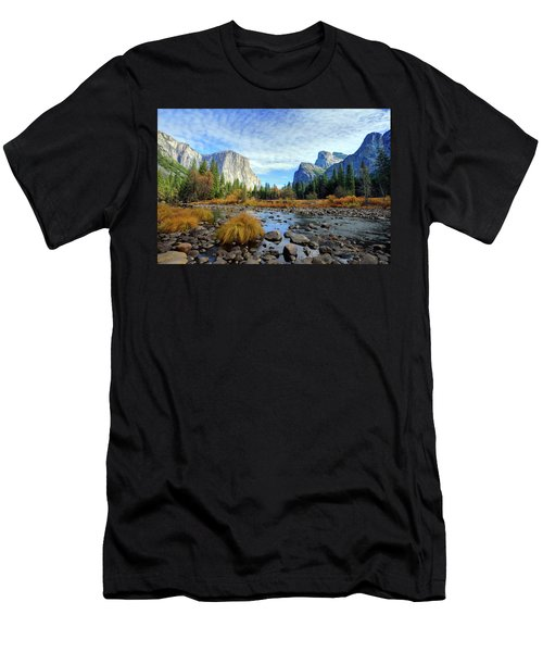 Yosemite Valley View Men's T-Shirt (Athletic Fit)
