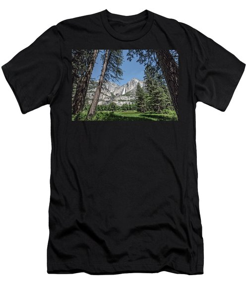 Yosemite View 13 Men's T-Shirt (Athletic Fit)
