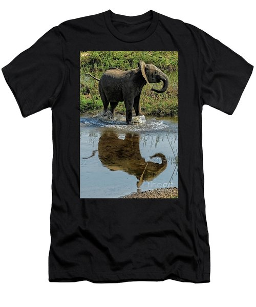 Young Elephant Playing In A Puddle Men's T-Shirt (Athletic Fit)