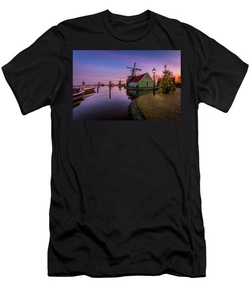 Zaanse Schans Holiday  Men's T-Shirt (Athletic Fit)