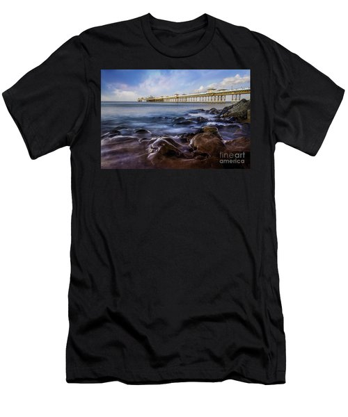 Llandudno Pier Men's T-Shirt (Athletic Fit)