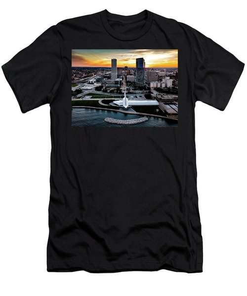 Men's T-Shirt (Athletic Fit) featuring the photograph Milwaukee Sunset by Randy Scherkenbach