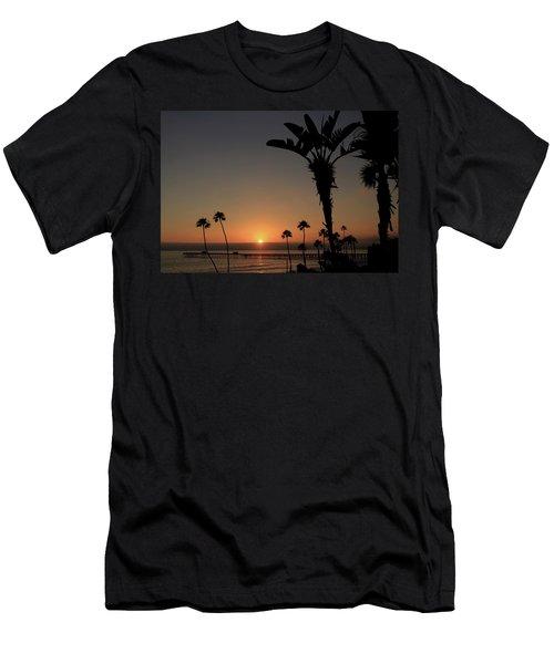 San Clemente Sunset Men's T-Shirt (Athletic Fit)