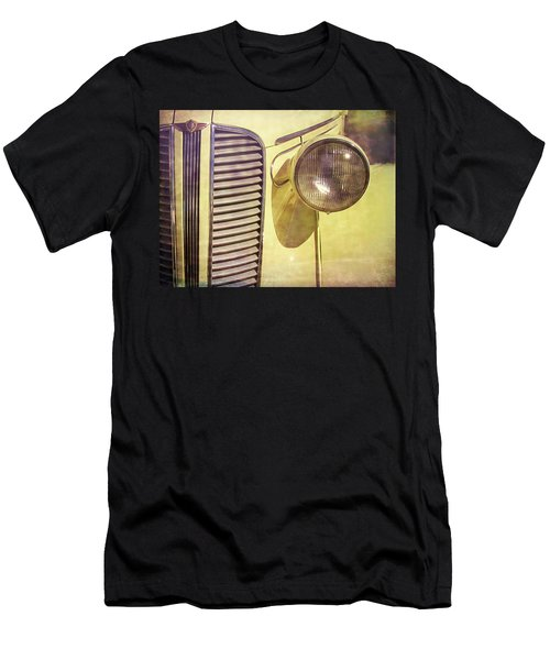1937 Dodge Gritty Men's T-Shirt (Athletic Fit)