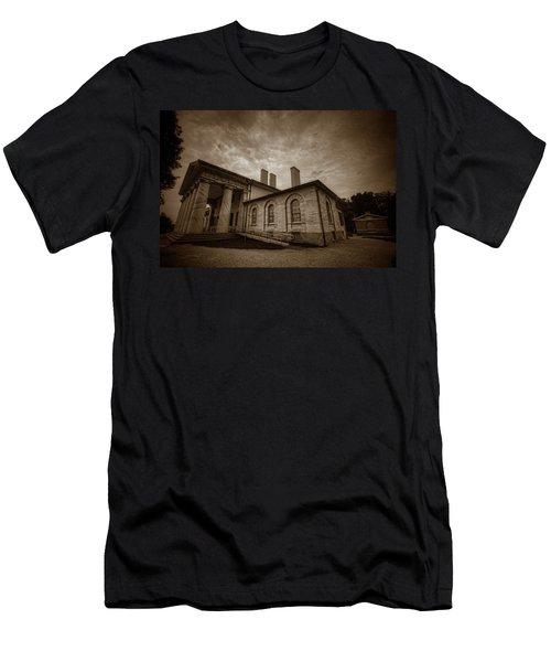 Arlington House Men's T-Shirt (Athletic Fit)