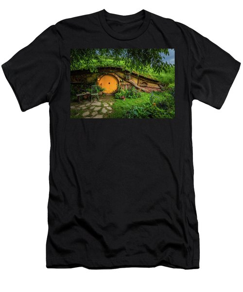 Hobbiton Afternoon Men's T-Shirt (Athletic Fit)