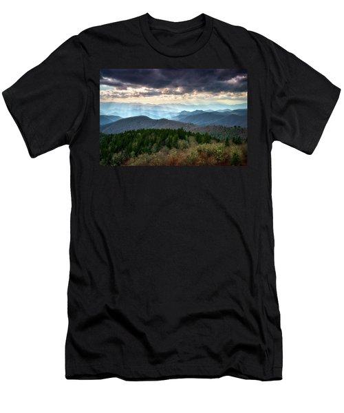 Blue Ridge Mountains Asheville Nc Scenic Light Rays Landscape Photography Men's T-Shirt (Athletic Fit)