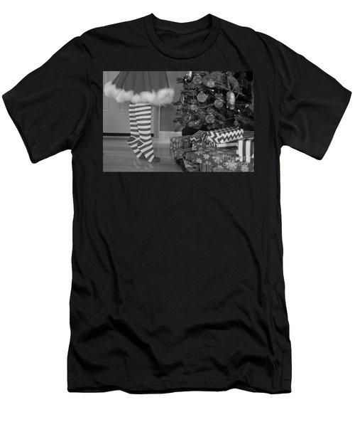 Christmas 10 Men's T-Shirt (Athletic Fit)