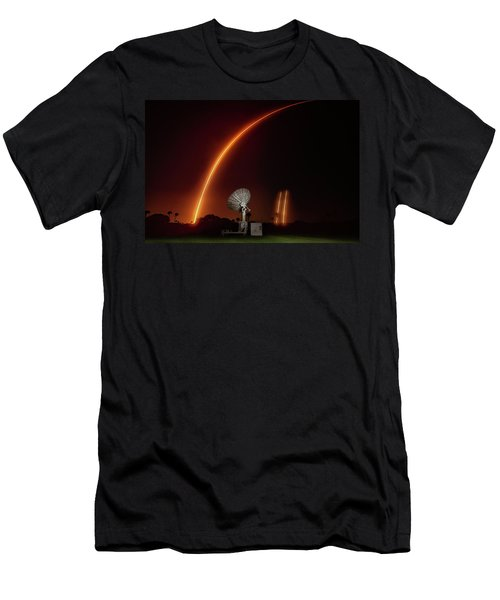 Falcon Heavy Night Launch And Landing Men's T-Shirt (Athletic Fit)