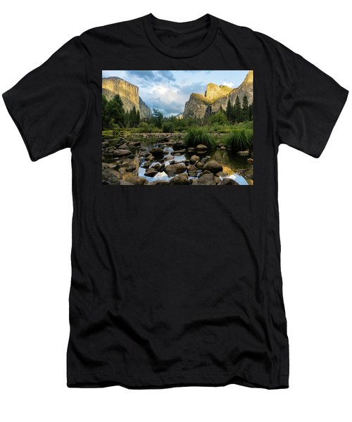 Gates Of The Valley 3 Men's T-Shirt (Athletic Fit)