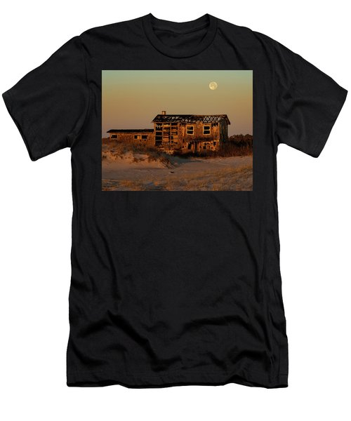 Clements House With Full Moon Behind Men's T-Shirt (Athletic Fit)