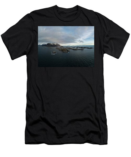 Henningsvaer Lofoten Men's T-Shirt (Athletic Fit)