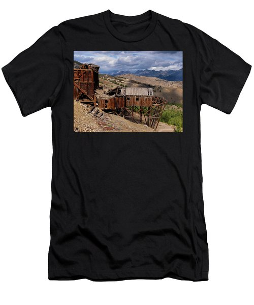Holding On Men's T-Shirt (Athletic Fit)