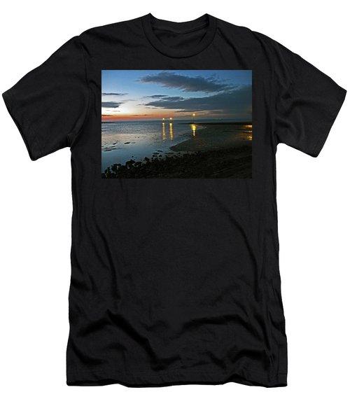 Lancashire. Knott End. Sunset.. Men's T-Shirt (Athletic Fit)