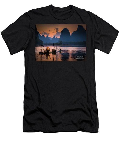 Li River Twilight Glow Men's T-Shirt (Athletic Fit)