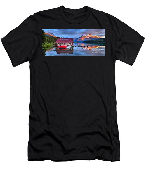 Maligne Lake Sunset Spectacular Men's T-Shirt (Athletic Fit)