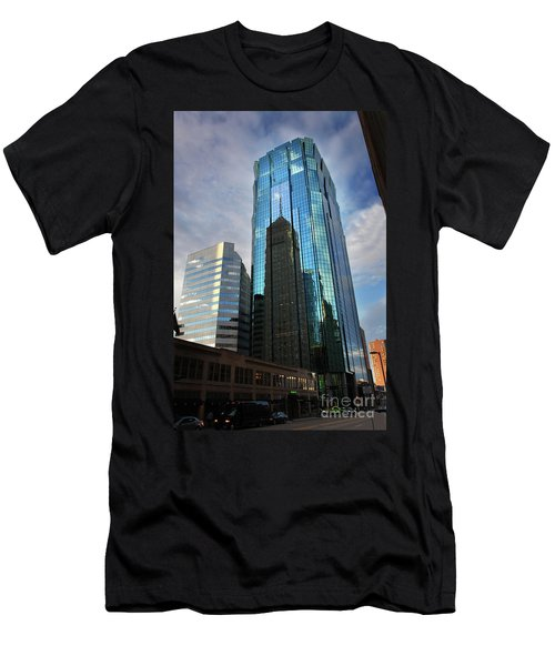 Minneapolis Skyline Photography Foshay Tower Men's T-Shirt (Athletic Fit)