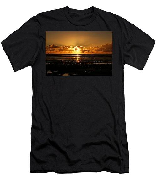 Morecambe Bay Sunset. Men's T-Shirt (Athletic Fit)
