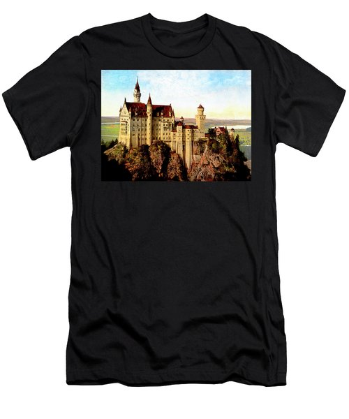Schloss Neuschwanstein Remastered Men's T-Shirt (Athletic Fit)