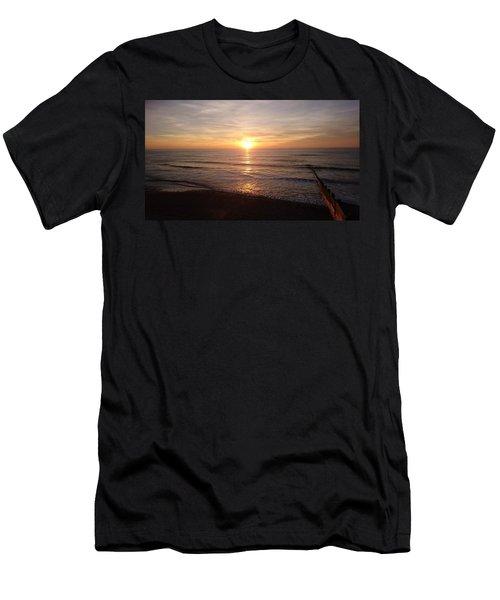 Sunset Blackpool Men's T-Shirt (Athletic Fit)