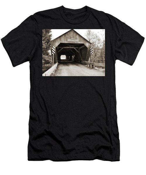 Union Village Covered Bridge Men's T-Shirt (Athletic Fit)