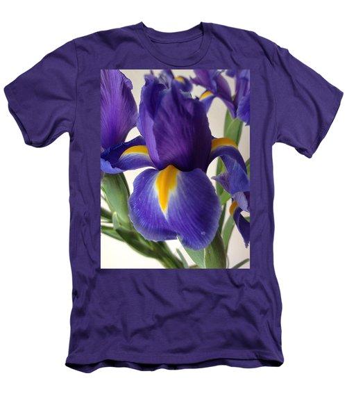 iRus  Men's T-Shirt (Athletic Fit)
