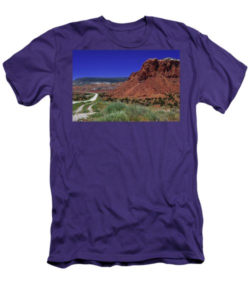 High Desert Men's T-Shirt (Slim Fit)