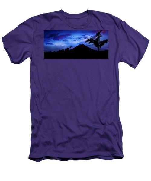 Mauii Men's T-Shirt (Athletic Fit)