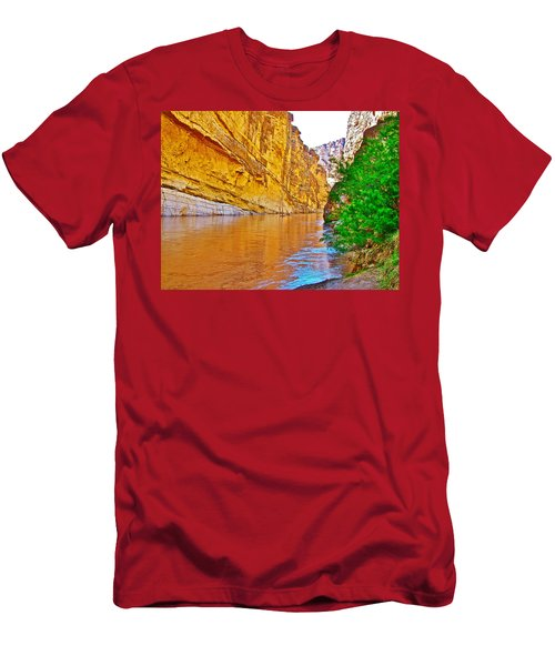 Rafting In Santa Elena Canyon In Big Bend National Park-texas Men's T-Shirt (Athletic Fit)
