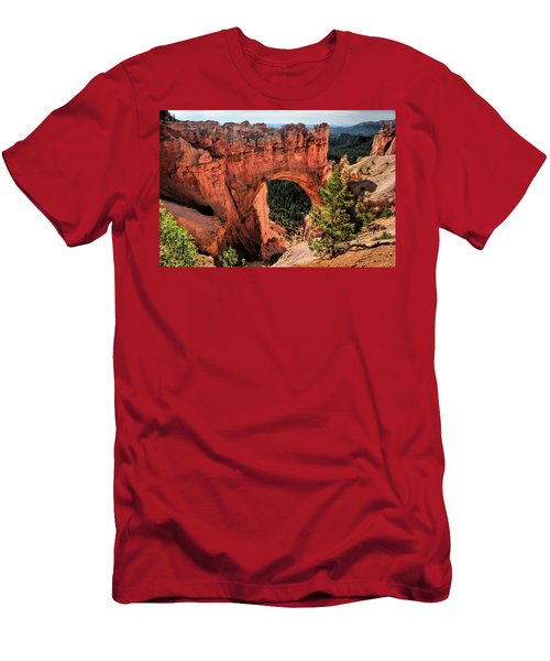 Bryce Canyon Arches Men's T-Shirt (Athletic Fit)