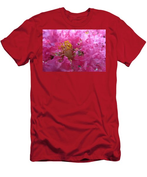 Crepe Myrtle In The Middle Men's T-Shirt (Slim Fit)