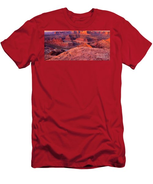 Men's T-Shirt (Slim Fit) featuring the photograph Panorama Sunrise At Dead Horse Point Utah by Dave Welling
