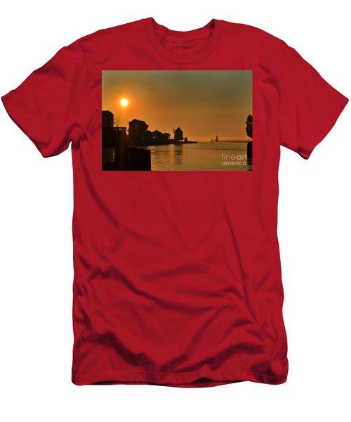 St Joseph Lighthouse Sunset Men's T-Shirt (Athletic Fit)