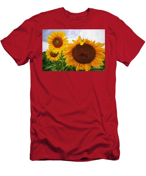 Sunflower Mama And Her Daughters  Men's T-Shirt (Athletic Fit)