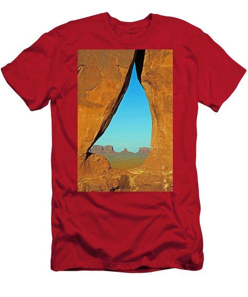 Tear Drop Arch Monument Valley Men's T-Shirt (Athletic Fit)