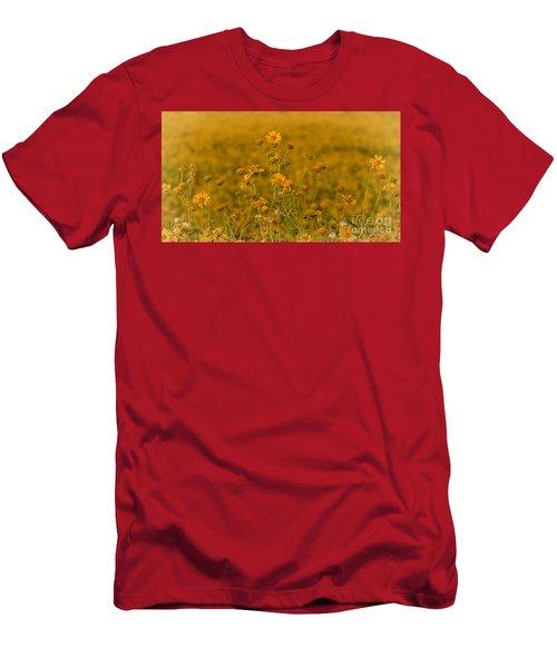 Daisy's Men's T-Shirt (Athletic Fit)