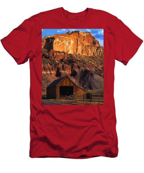Capitol Reef National Park, Ut Men's T-Shirt (Athletic Fit)