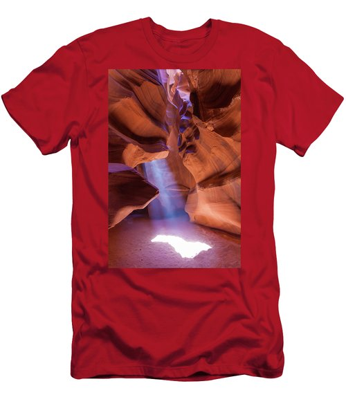 Antelope Lightshaft I Men's T-Shirt (Athletic Fit)