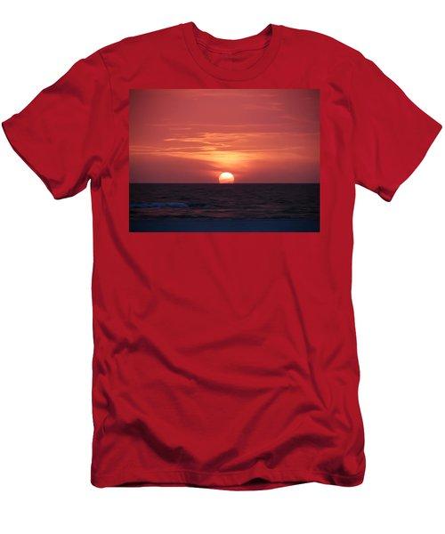 Don't Let The Sun Go Down On Me Men's T-Shirt (Athletic Fit)