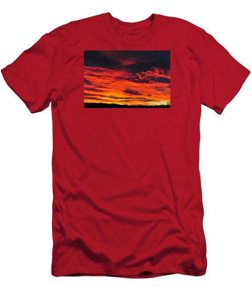 Fiery Close Of Day Men's T-Shirt (Athletic Fit)
