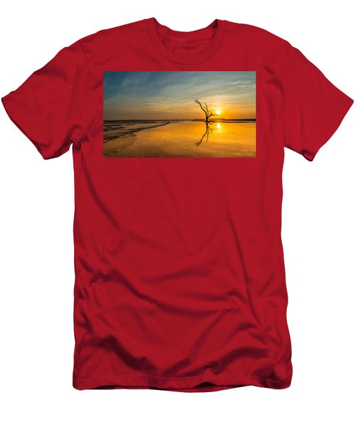 Folly Beach Skeleton Tree At Sunset - Folly Beach Sc Men's T-Shirt (Athletic Fit)