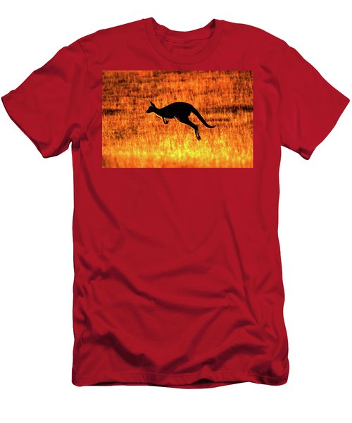 Kangaroo Sunset Men's T-Shirt (Athletic Fit)