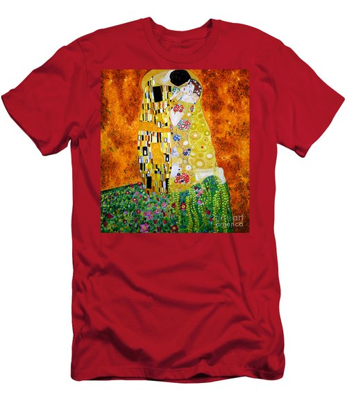 Reproduction Of The Kiss By Gustav Klimt Men's T-Shirt (Slim Fit) by Zedi