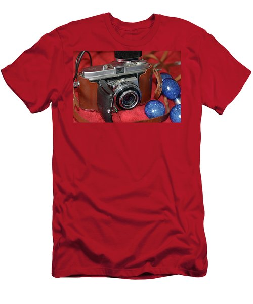 Men's T-Shirt (Athletic Fit) featuring the photograph Retina by John Schneider